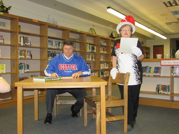 Dr. Hub signing Read Across America Week Proclamation