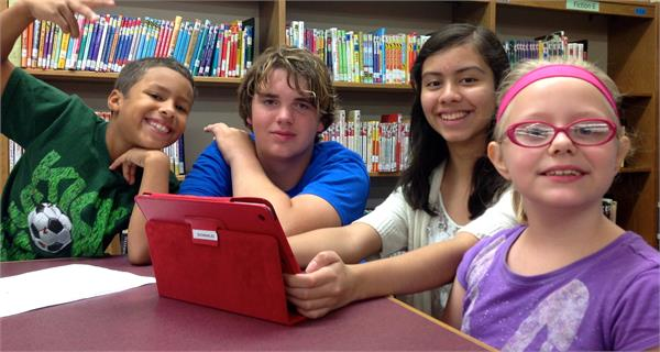 Students Make Movie Trailers with Ipads