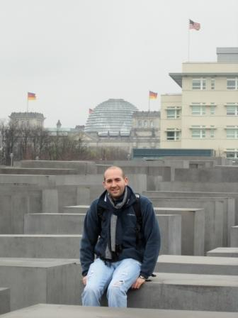 Mr. Gravitt at Holocaust Memorial 2011